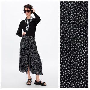 NWT. Zara Polka Dots Pleated Midi Skirt. Size M.